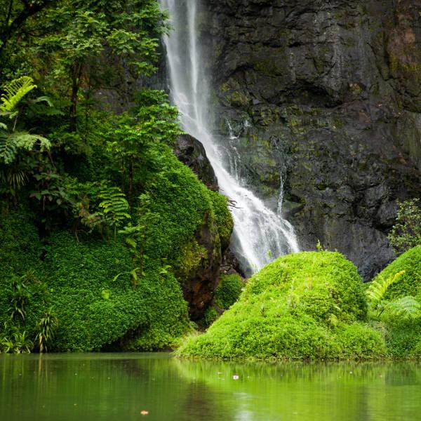 tahiti - waterfalls