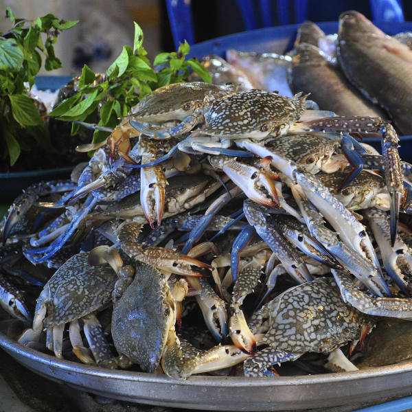 muscat-seafood-crabs
