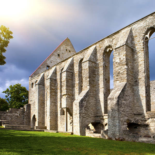 old-cathedral-ruins-tallinn
