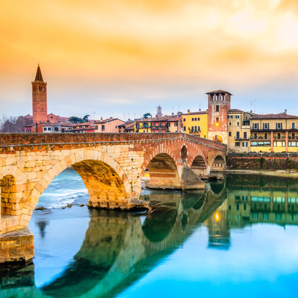 Adige River Verona Picturesque Setting