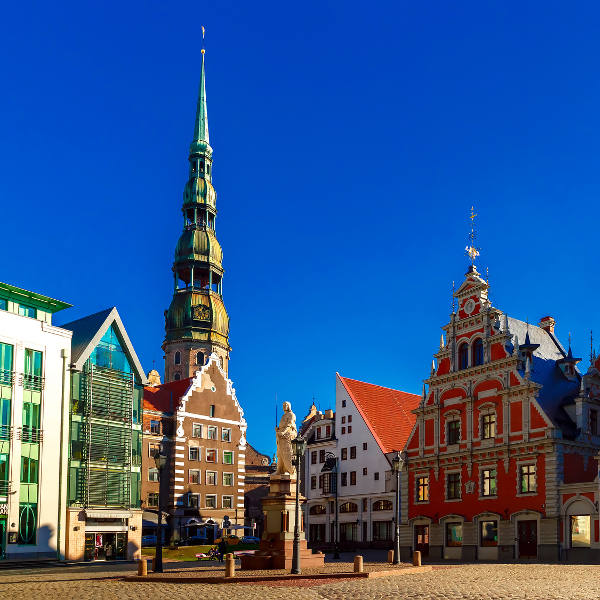 riga old town square