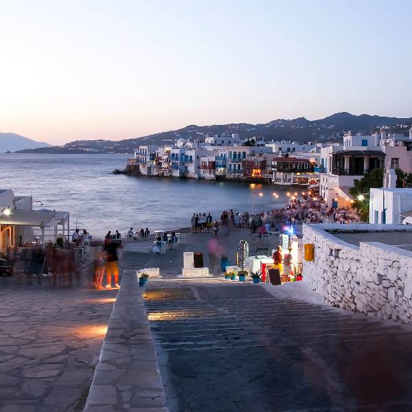 mykonos legendary nightlife