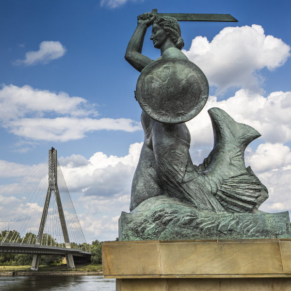 warsaw mermaid monument river bank