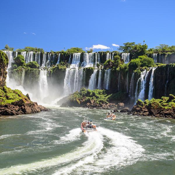 iguassa falls boat adventure