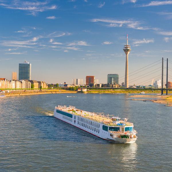 dusseldorf boat on rhine river
