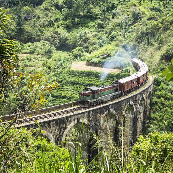 train-rides-sri-lanka