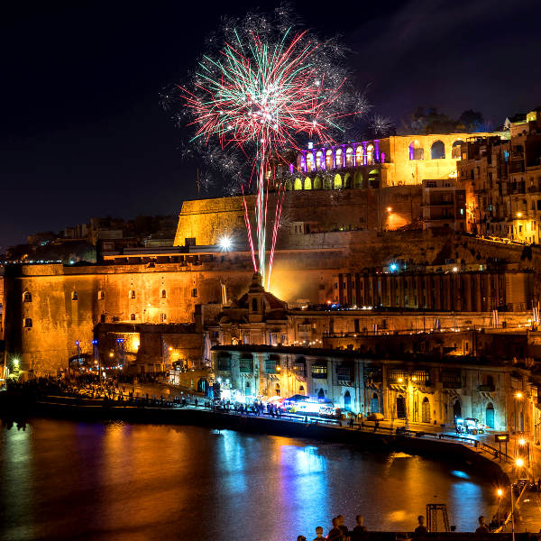 valletta lively nightlife